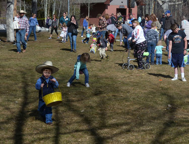 Easter Egg Hunt. Pinedale Online!